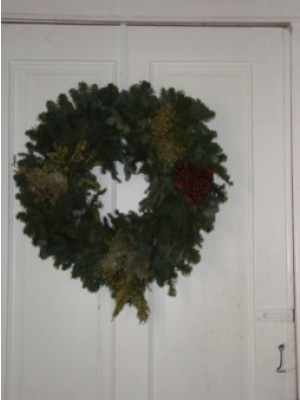Fresh Noble Wreath With Mixed Greens 22""
